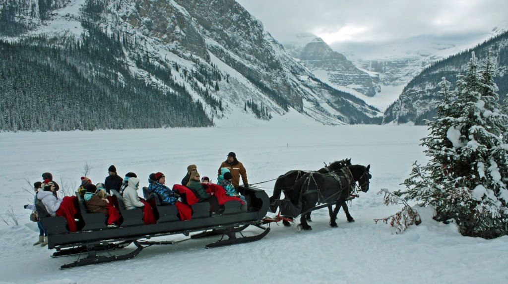 Lake-louise-winter-wedding