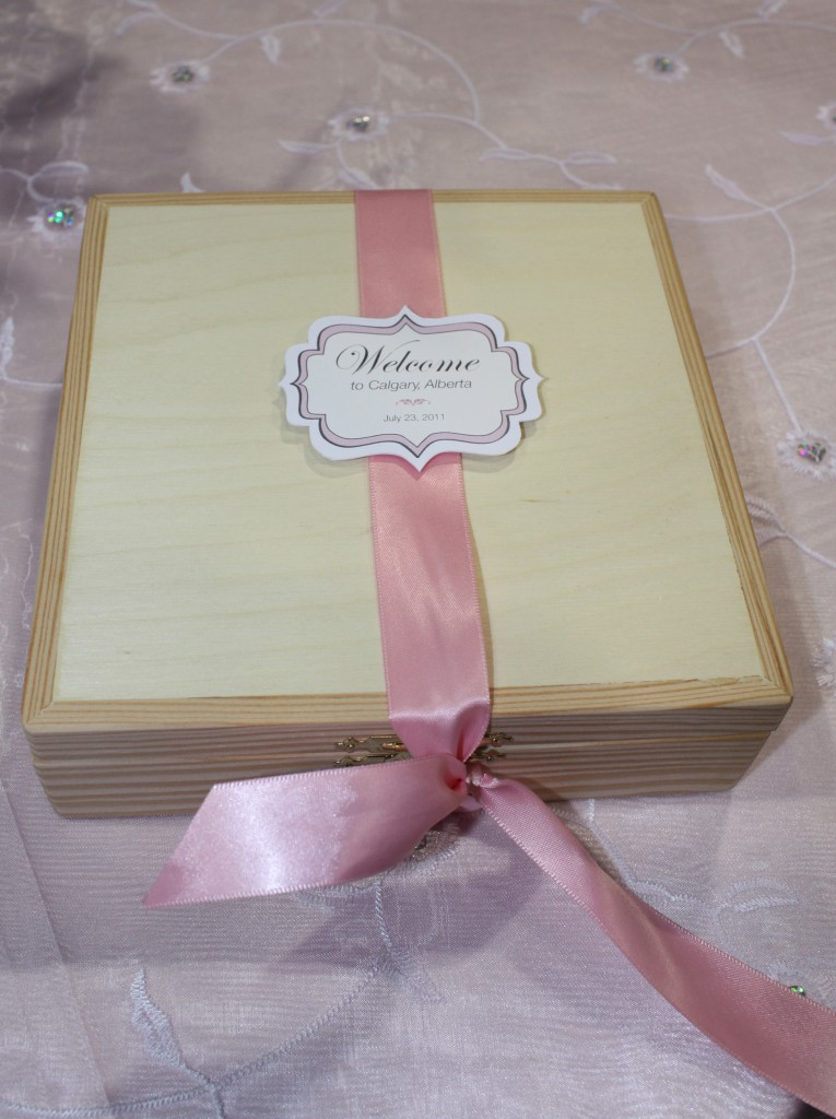 wood-welcome-wedding-box