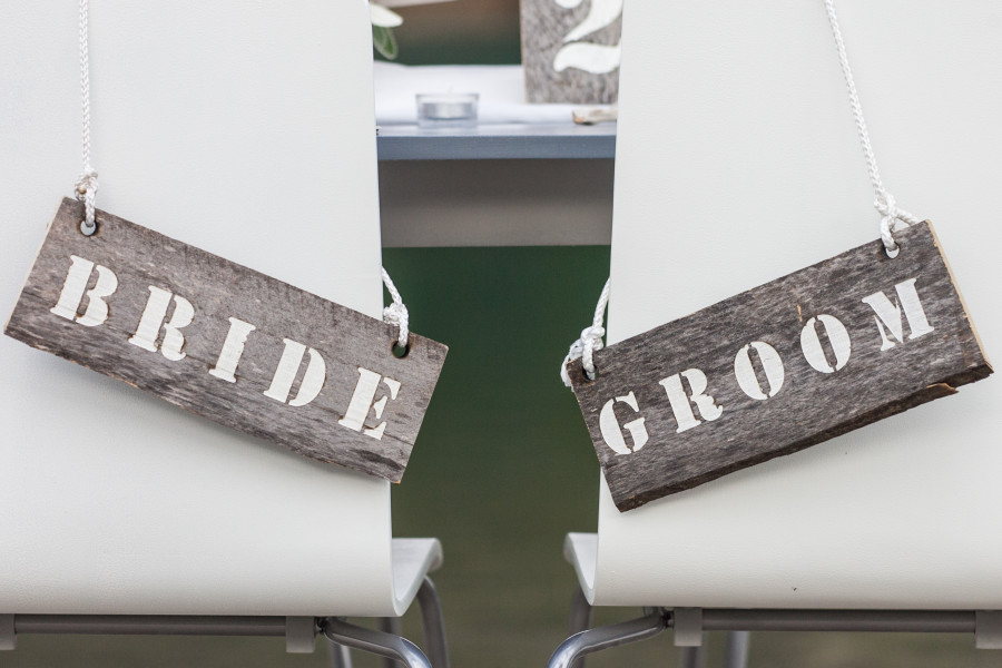 Barn wood Bride and Groom signs by Naturally Chic | www.naturallychic.ca