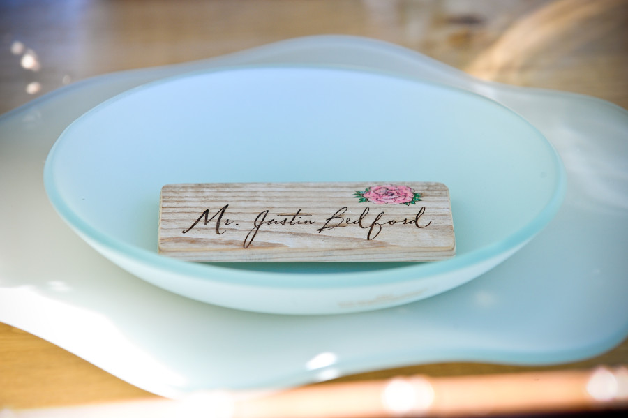 Wood Place card by Naturally Chic | www.naturallychic.ca