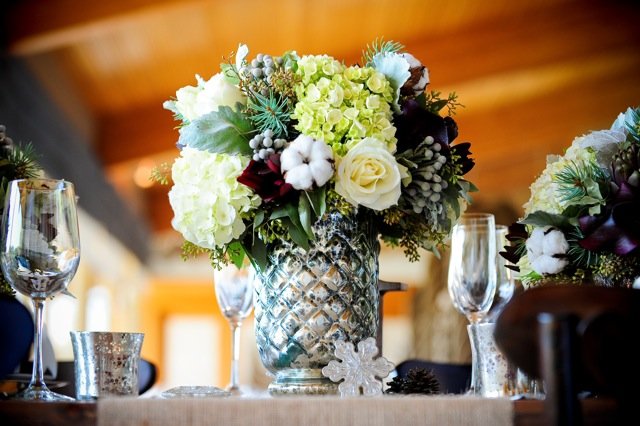 Contemporary winter wedding by Naturally Chic | www.naturallychic.ca | Photo by f8 Photography Inc.