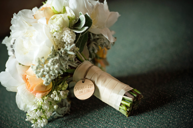wood-charm-wedding-bouquet