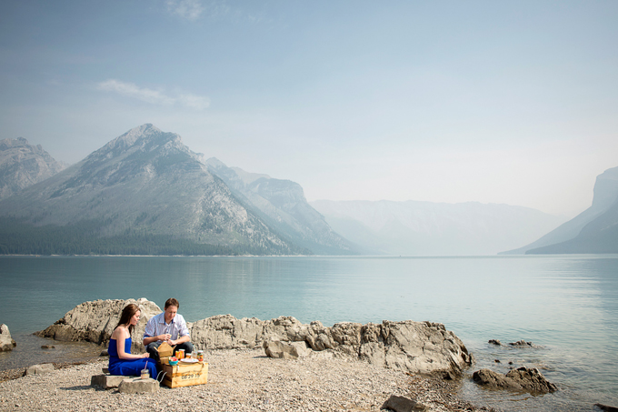 banff-picnic-engagement