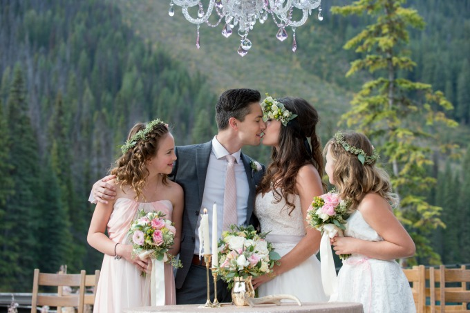 rustic-mountain-wedding-elegance by Naturally Chic www.naturallychic.ca | Photo by f8 Photography Inc. www.f8photography.com
