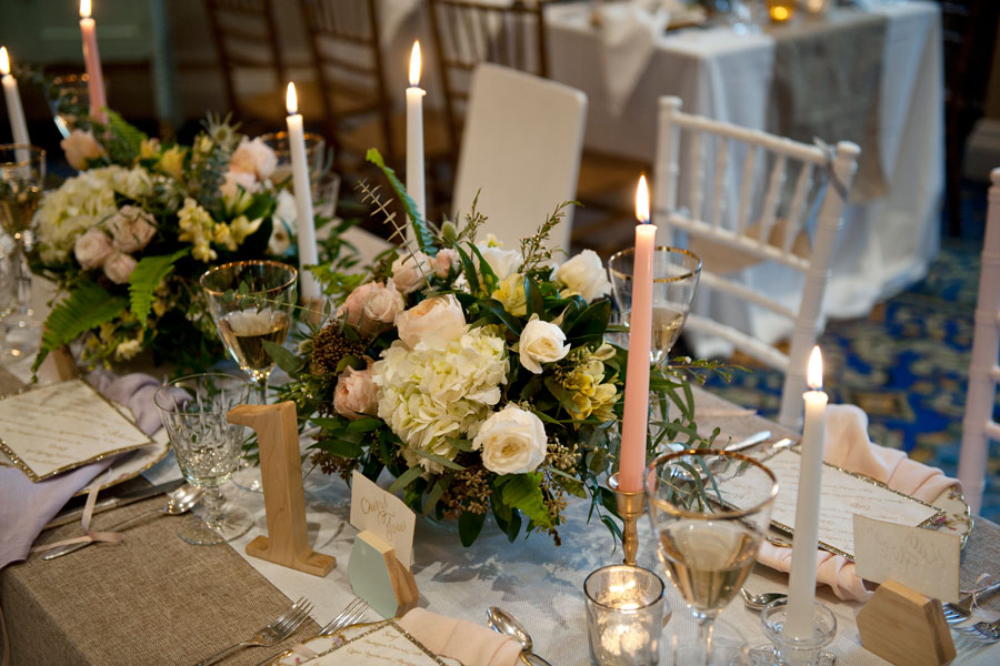 organic-style-centerpieces | Design by www.naturallychic.ca | Photo by Tara Whittaker Photography