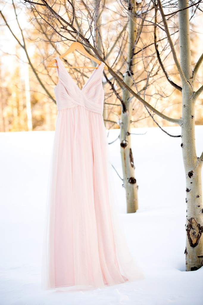 blush-wedding-dress | www.naturallychic.ca | Photo by Kim Payant Photography